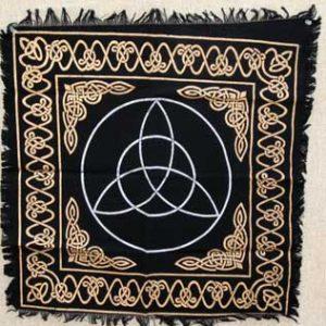 rac24-triquetra-altar-cloth