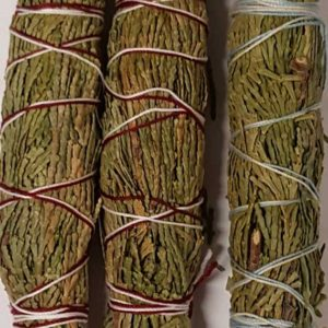 rs3ced-cedar-smudge-sticks-3-pack